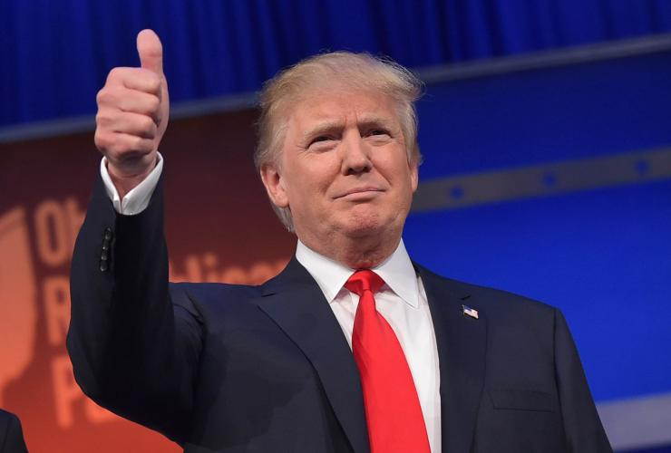 donald trump gop debate thumbs up