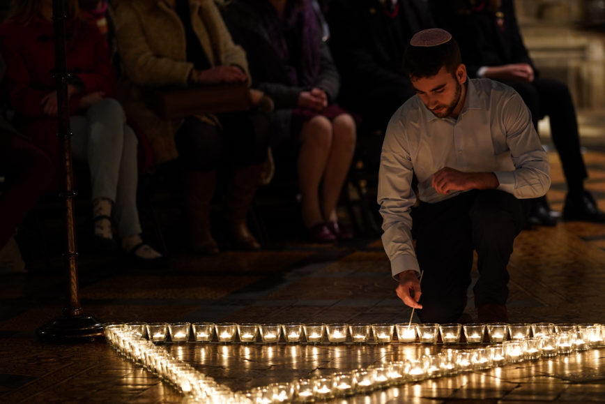 UNESCO pays tribute to victims of the Holocaust
